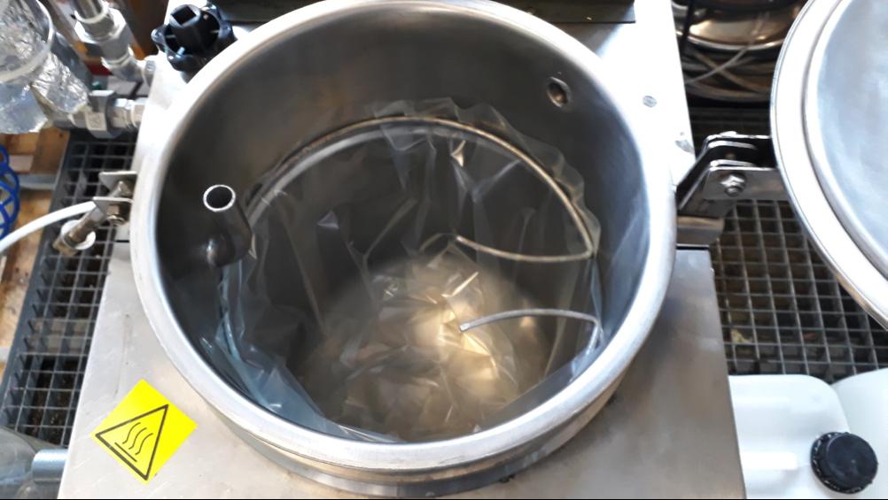 Serbatoio distillatore con sacchetto